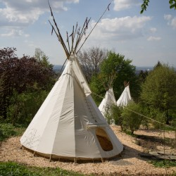 die indianer und das tipi. Black Bedroom Furniture Sets. Home Design Ideas